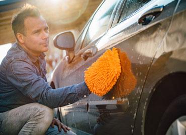 Choisir le nettoyage de voiture à la main